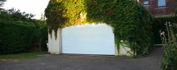 Porte de garage enroulable blanche en PVC met groupe